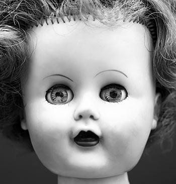 hair-plugs-dolls-head